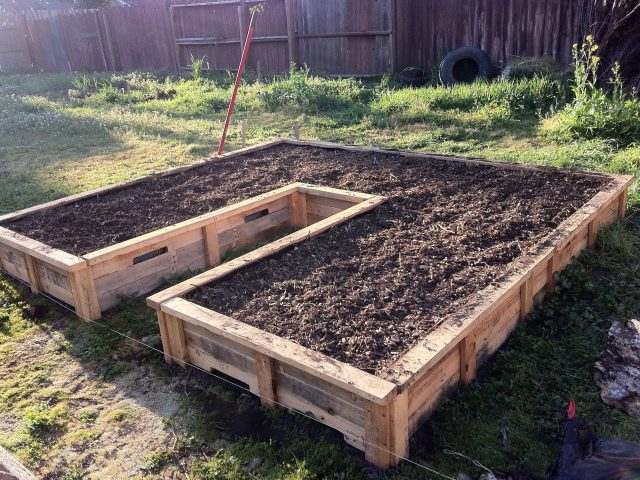 Building Pallet Projects for the Garden